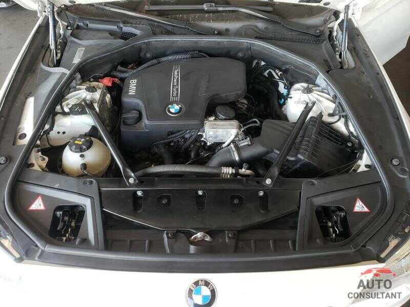 BMW 5 SERIES 2016 - WBA5A5C56GD526320