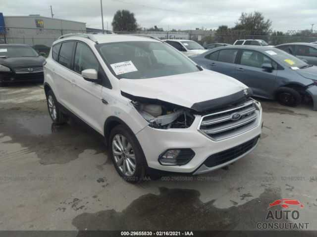 FORD ESCAPE 2017 - 1FMCU0J98HUD35490