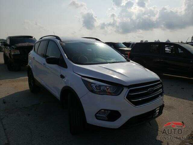 FORD ESCAPE 2018 - 1FMCU0GD6JUD14395