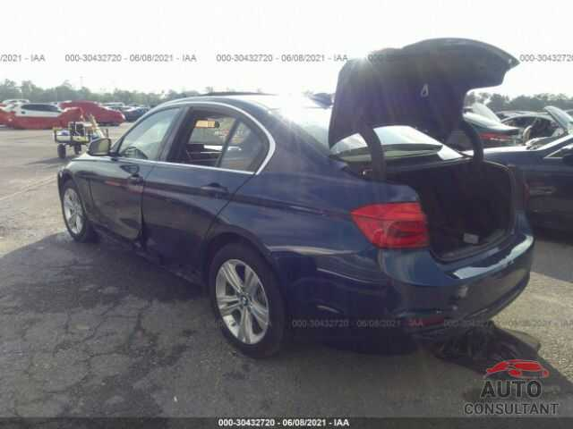 BMW 3 SERIES 2018 - WBA8D9G53JNU72028